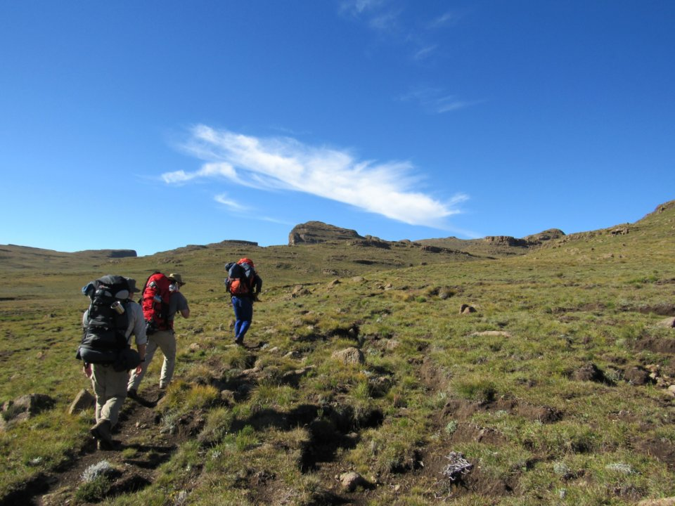 MONKS COWL TO ZULU CAVE HIKE (2 DAYS)