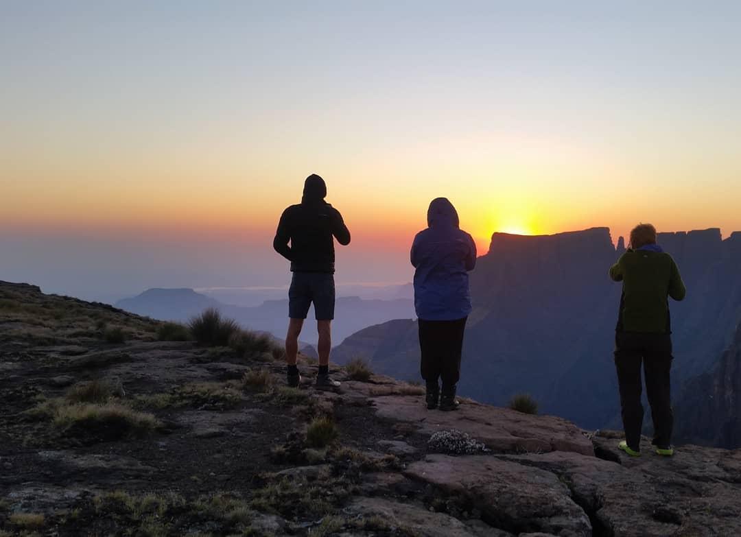 Drakensberg Amphitheatre Overnight Hike (16-17 Apr 2022)
