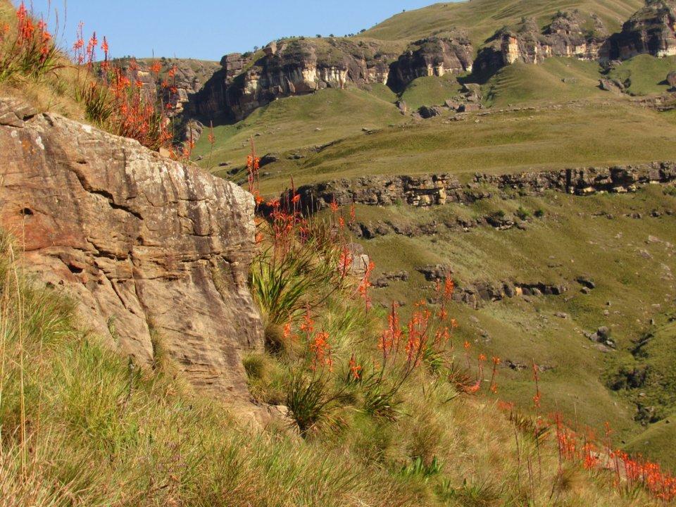Gxalingenwa Cave Hike